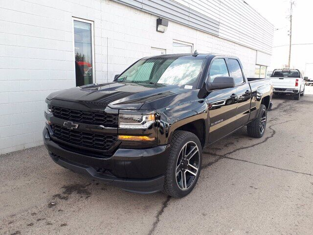 2018 Chevrolet Silverado 1500 Custom | BACKUP CAMERA | 6' BOX | CREW CAB Calgary AB