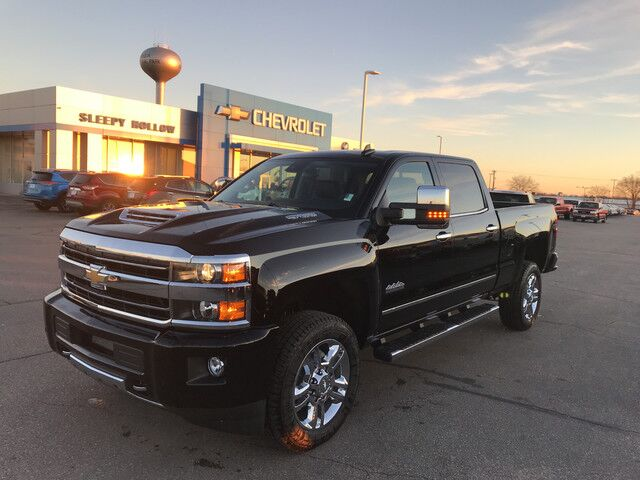 2018 chevrolet silverado 2500hd high country viroqua wi 21508489. Black Bedroom Furniture Sets. Home Design Ideas
