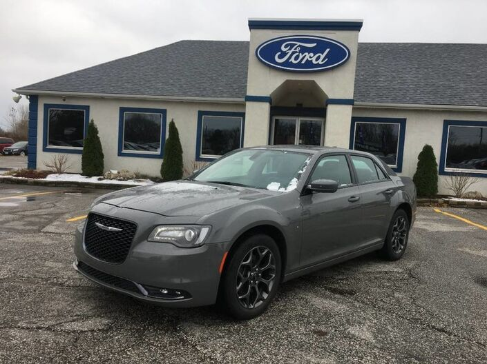 2018 Chrysler 300 LOADED SUNROOF- REMOTE START- BACKUP CAM- PUSH TO START Essex ON
