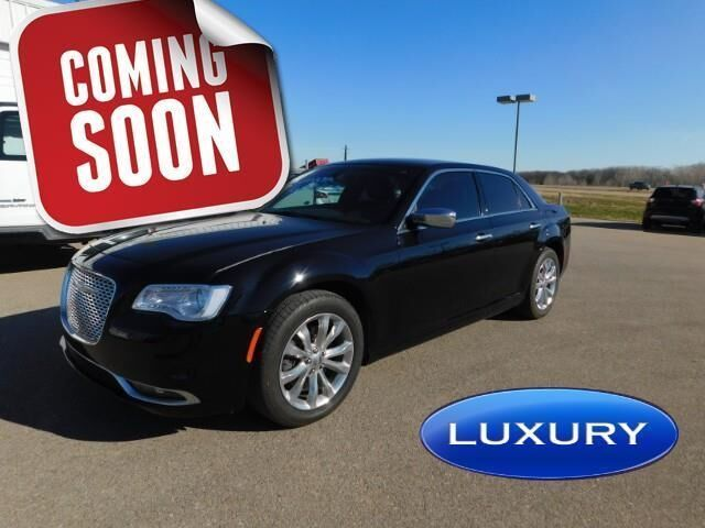 2018 Chrysler 300 Limited AWD Topeka KS