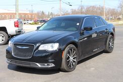2018_Chrysler_300_Touring_ Fort Wayne Auburn and Kendallville IN