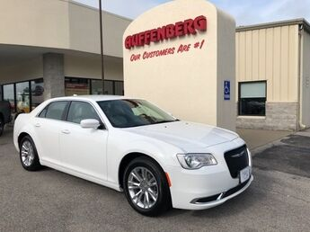 2018_Chrysler_300_Touring L_ Cape Girardeau