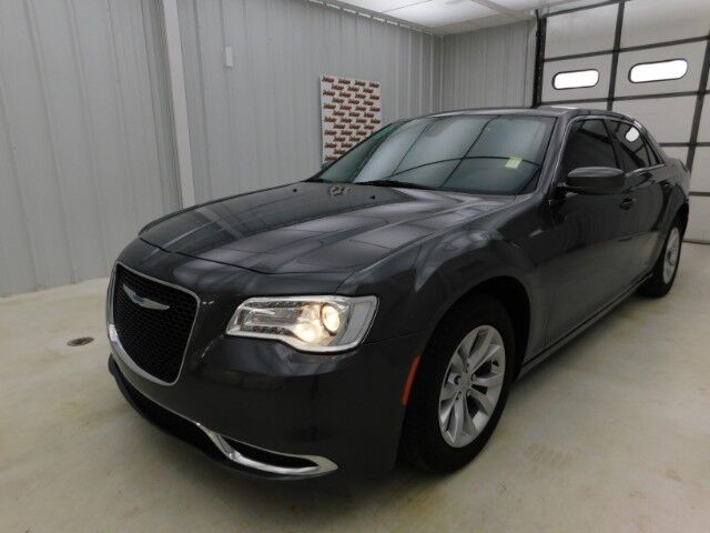2018 Chrysler 300 Touring RWD Manhattan KS