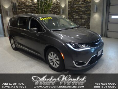 2018 Chrysler PACIFICA TOURING-L  Hays KS