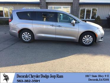 2018_Chrysler_Pacifica_4d Wagon Touring Plus_ Decorah IA