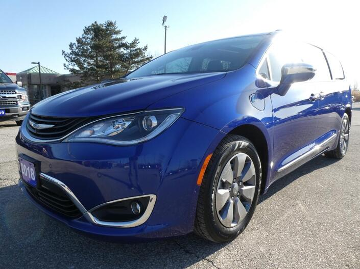 2018 Chrysler Pacifica Hybrid Limited | DVD | Navigation | Heated Seats Essex ON
