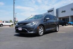 2018_Chrysler_Pacifica_Hybrid Limited_  TX