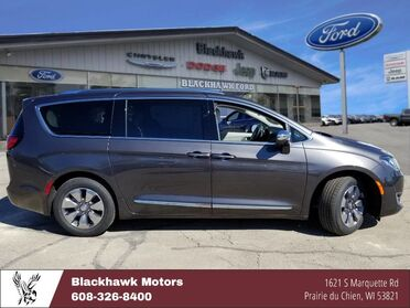 2018_Chrysler_Pacifica_Hybrid Limited_ Decorah IA
