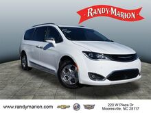 2018_Chrysler_Pacifica_Hybrid Limited_ Hickory NC