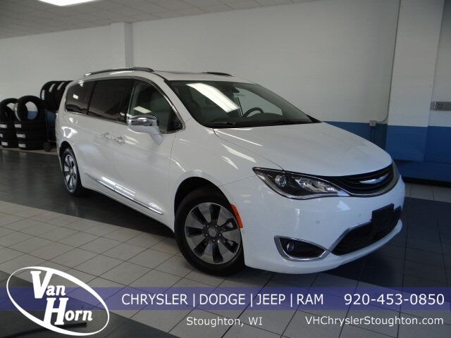 2018 Chrysler Pacifica Hybrid Limited Milwaukee WI