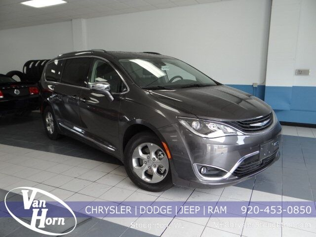 2018 Chrysler Pacifica Hybrid Limited Plymouth WI