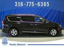 2018_Chrysler_Pacifica_Hybrid Touring L_ Wichita KS