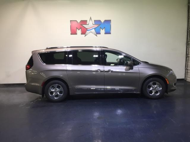 2018 Chrysler Pacifica Hybrid Touring L FWD Christiansburg VA