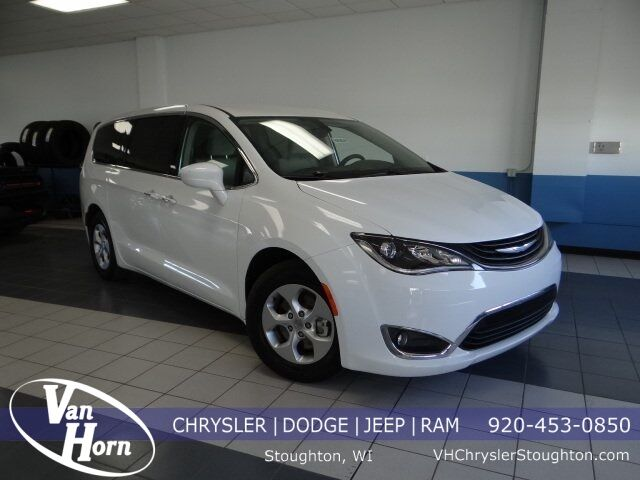 2018 Chrysler Pacifica Hybrid Touring Plus Plymouth WI