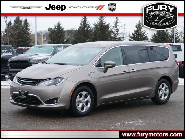2018 Chrysler Pacifica Hybrid Touring Plus Oak Park Heights MN