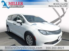 2018_Chrysler_Pacifica_L_ Martinsburg