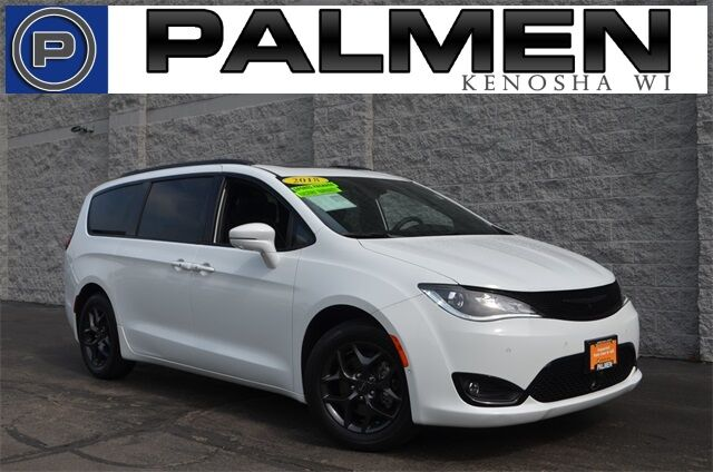2018 Chrysler Pacifica Limited Racine WI
