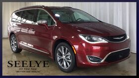 2018_Chrysler_Pacifica_Limited_ Paw Paw MI
