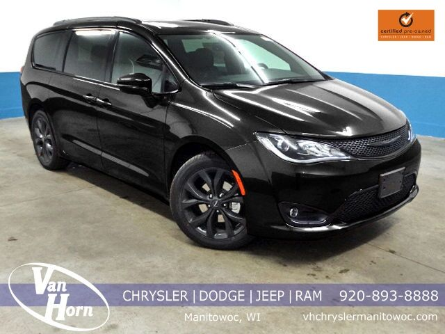 2018 Chrysler Pacifica Limited Plymouth WI
