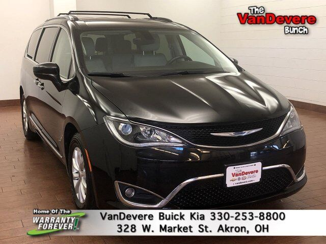 2018 Chrysler Pacifica Touring L Akron OH