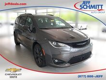 2018_Chrysler_Pacifica_Touring L_ Fairborn OH
