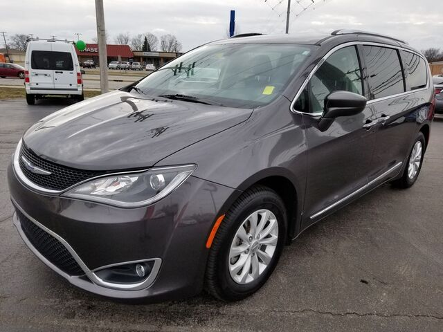 2018 Chrysler Pacifica Touring L Fort Wayne Auburn and Kendallville IN
