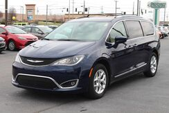 2018_Chrysler_Pacifica_Touring L_ Fort Wayne Auburn and Kendallville IN