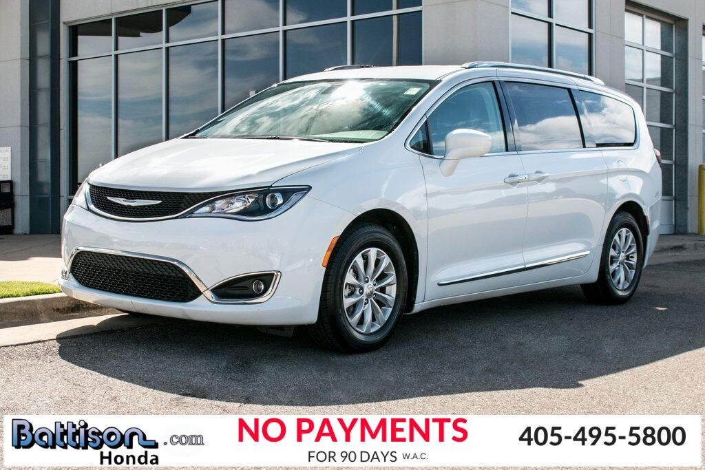 2018_Chrysler_Pacifica_Touring L_ Oklahoma City OK