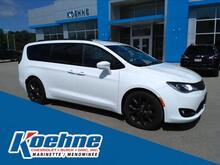 2018_Chrysler_Pacifica_Touring L Plus FWD_ Green Bay WI