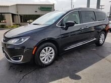2018_Chrysler_Pacifica_Touring L Plus_ Fort Wayne Auburn and Kendallville IN