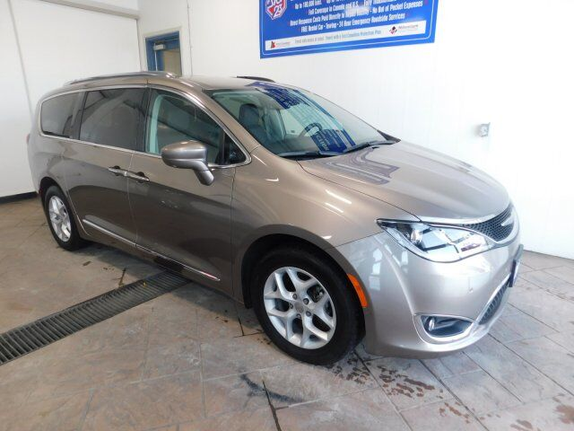 2018 Chrysler Pacifica Touring-L Plus LEATHER NAVI SUNROOF Listowel ON