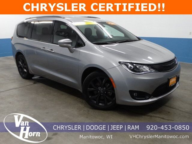 2018 Chrysler Pacifica Touring L Plus Plymouth WI