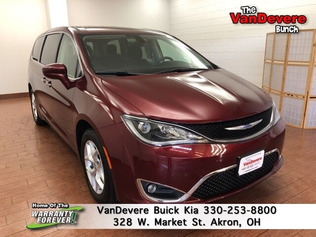 2018 Chrysler Pacifica Touring Plus Akron OH