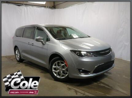 2018_Chrysler_Pacifica_Touring Plus FWD_ Southwest MI