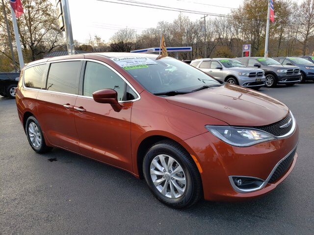 2018 Chrysler Pacifica Touring Plus HAMBURG PA