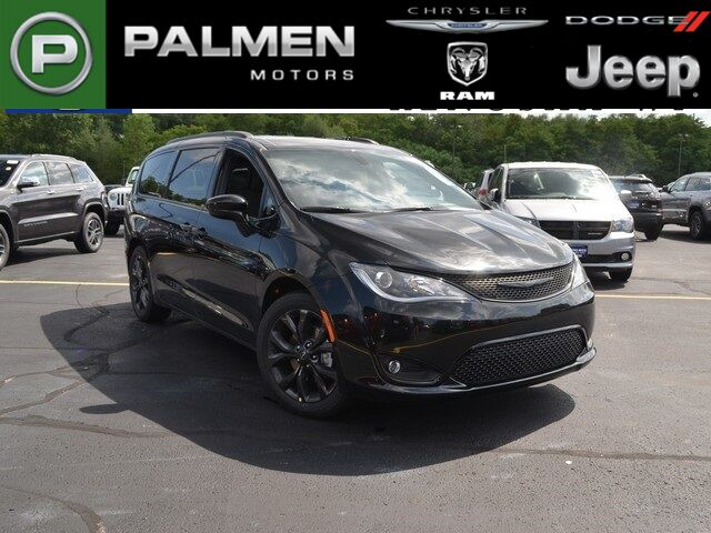 2018 Chrysler Pacifica Touring Plus Kenosha WI