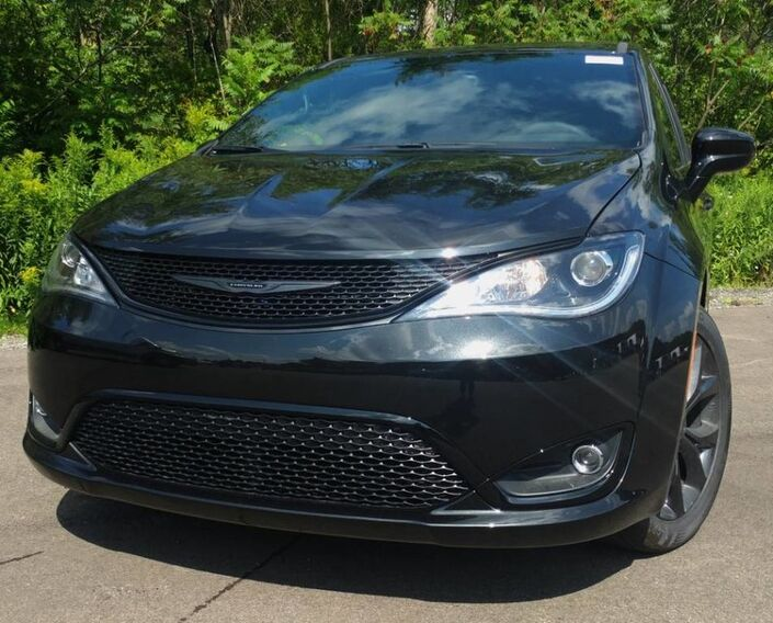 2018 Chrysler Pacifica Touring Plus Rock City NY