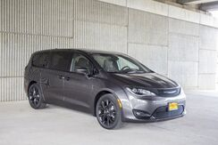 2018_Chrysler_Pacifica_Touring Plus_ Mineola TX