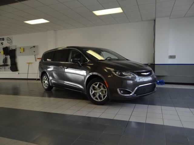 2018 Chrysler Pacifica Touring Plus Plymouth WI