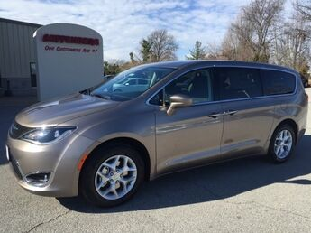 2018_Chrysler_Pacifica_Touring Plus_ Cape Girardeau