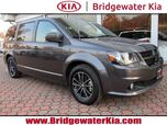 2018 Dodge Grand Caravan SE Wagon, Black Top Package, Remote Start, Touch-Screen Audio, Rear-View Camera, Bluetooth Technology, 3RD Row Seats, 17-Inch Alloy Wheels,