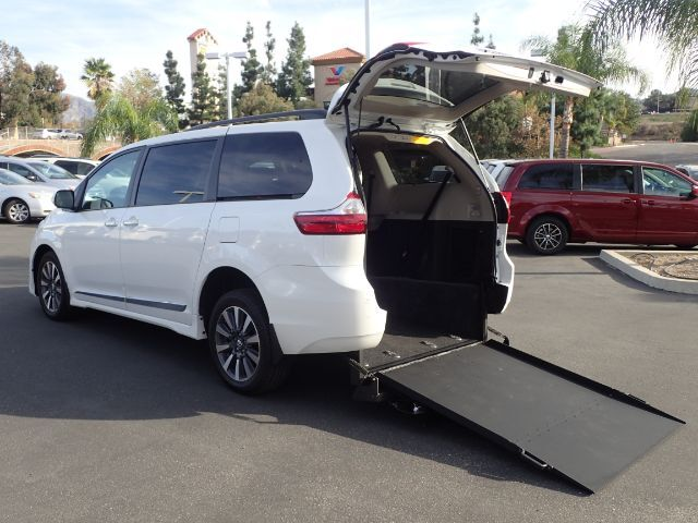 2018 FMI Toyota Sienna Limited w/ Manual Superwide Foldout Ramp Anaheim CA