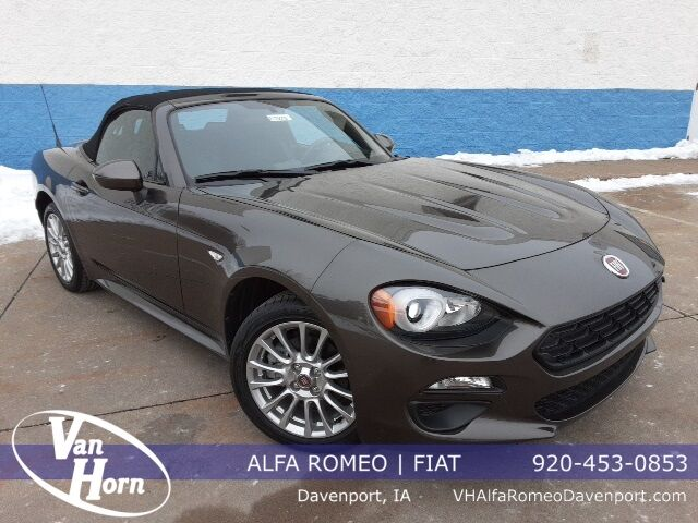 2018 Fiat 124 Spider Classica Plymouth WI
