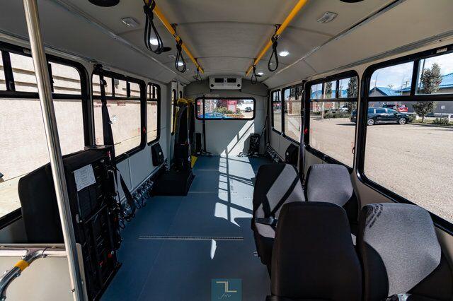 2018 Ford E-450 Cutaway Bus 7 Passenger Wheelchair Lift Red Deer AB