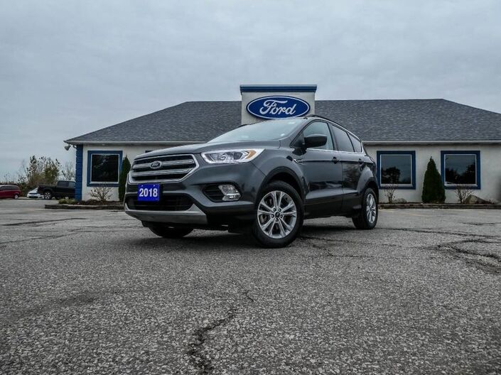 2018 Ford Escape SEL- LEATHER- NAVIGATION- PANORAMIC SUNROOF- BACKUP CAMERA Essex ON
