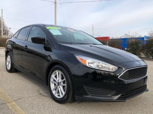 2018_Ford_Focus_SE Sedan_ Frankfort KY