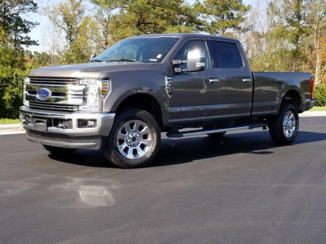 2018 FORD SUPER DUTY F-350 SRW LARIAT 4WD CREW CAB 8' BOX