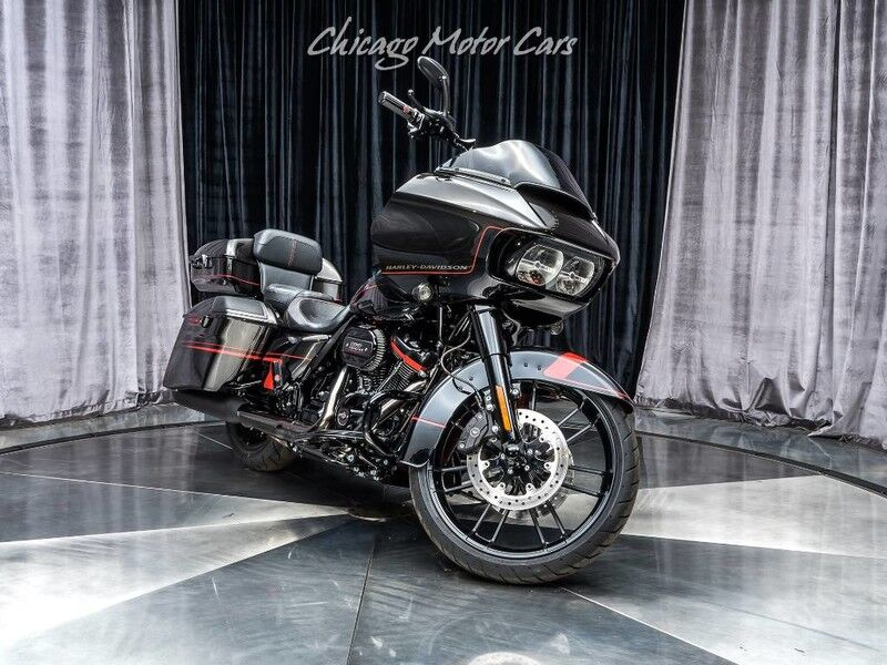 2018_Harley-Davidson_FLTRXSE_CVO Road Glide $10k in UPGRADES! Only 220 Miles!_ Chicago IL