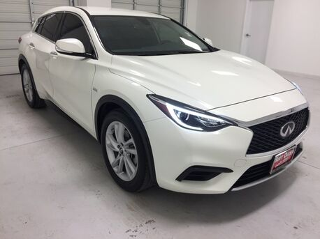 2018_INFINITI_QX30_Base_ Mercedes TX