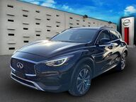 2018 INFINITI QX30 Luxury Greenvale NY